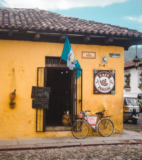Best cafés in Antigua | El Estudio cafe | coffee shops Guatemala | Latin America travel guides by Cuppa to Copa Travels