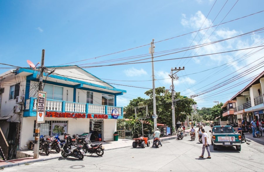 safety on isla de providencia colombia island caribbean town