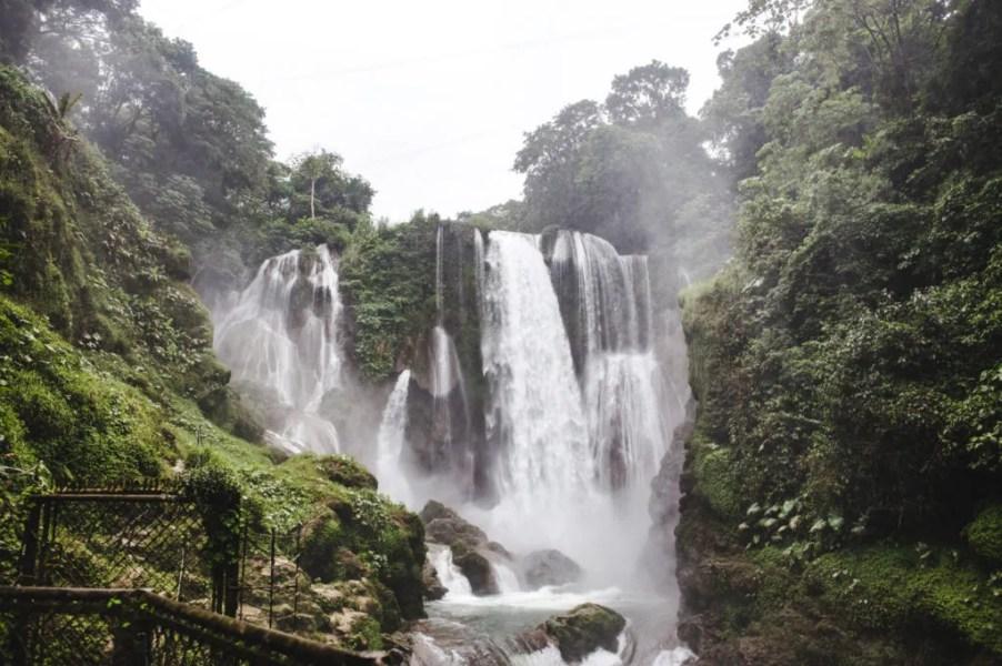 Cataratas Pulhapanzak Waterfall Lake Yojoa Honduras Lago de Yojoa Peña Blanca town Cascada Pulhapanzak waterfall