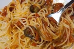 espaguetis-a-la-putanesca-04