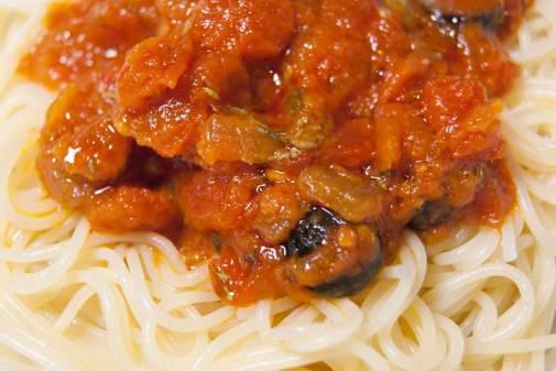 espaguetis-a-la-putanesca-2