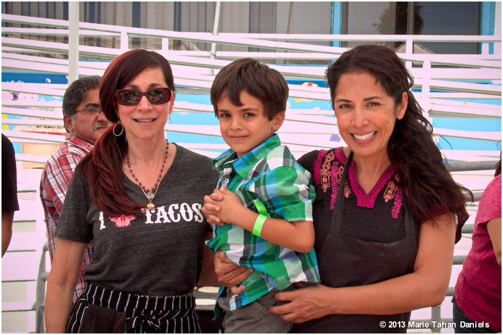 TacoThrowdown ISABEL CRUZ AND FLOR FRANCO PICTURE