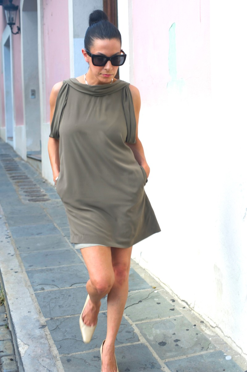 Why This Olive Green Shift Dress Makes Me Say Hubba Hubba