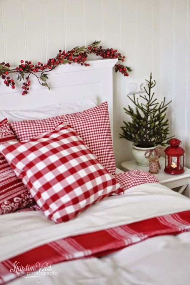 christmas decorations for a bedroom