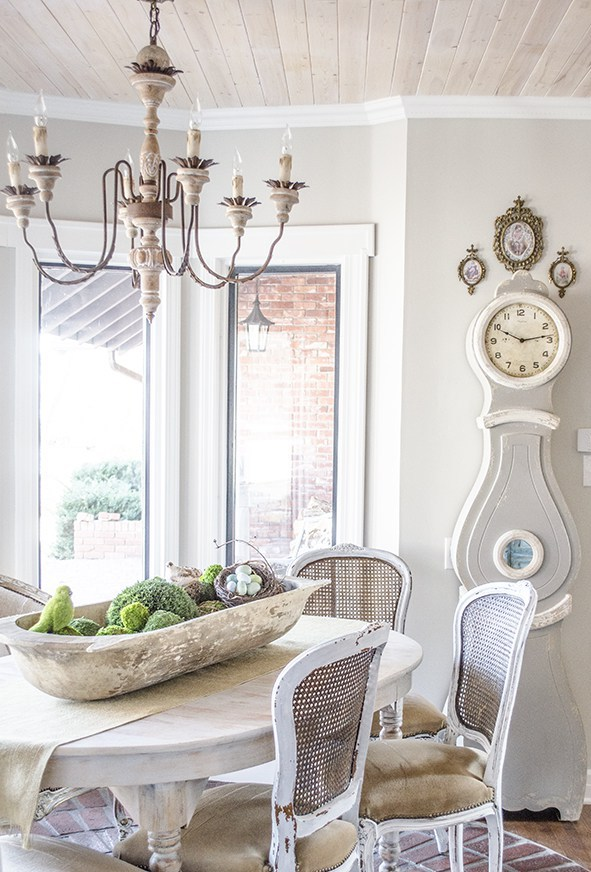 17 elegant french country chandeliers