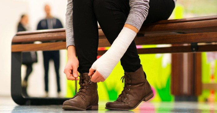 Fractures: First Aid And How To Live With It