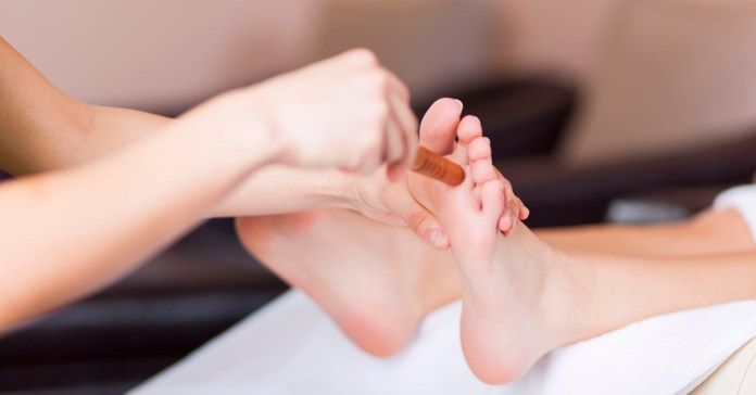 How To Practice Reflexology At Home To Treat Common Ailments?