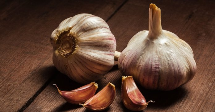 Eating Garlic On An Empty Stomach