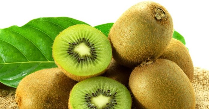 19 Juicy Reasons To Scoop Up A Kiwifruit Everyday