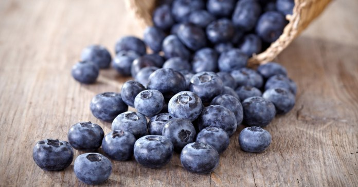 11_19 Healthy Ways To Beat The Blues With Blueberries.