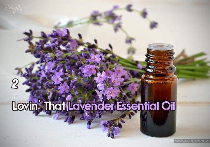 2-lovin-that-lavender-essential-oil
