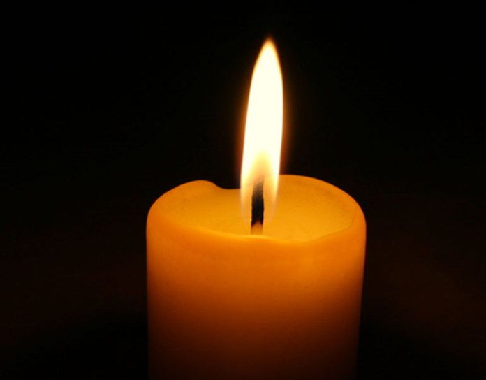 concentrate on the candle