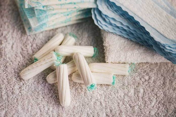 Ignoring Blood Color: 9 Mistakes Women Make During Periods