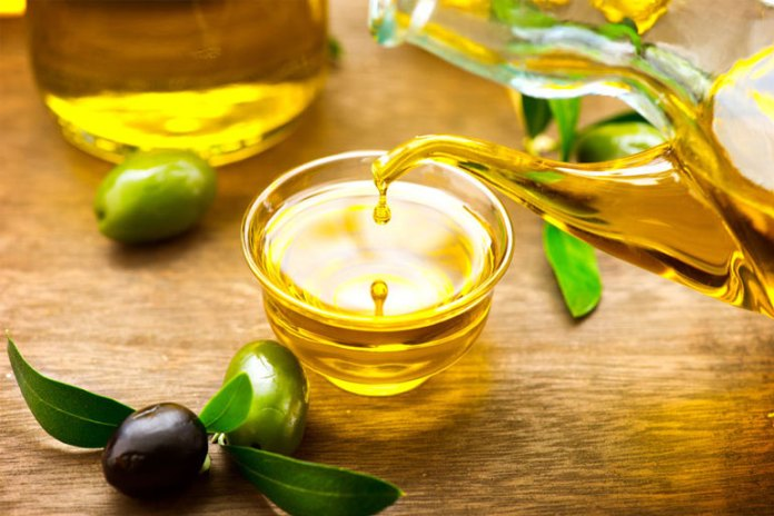 Olive Oil: Foods That Increase Your HDL Levels