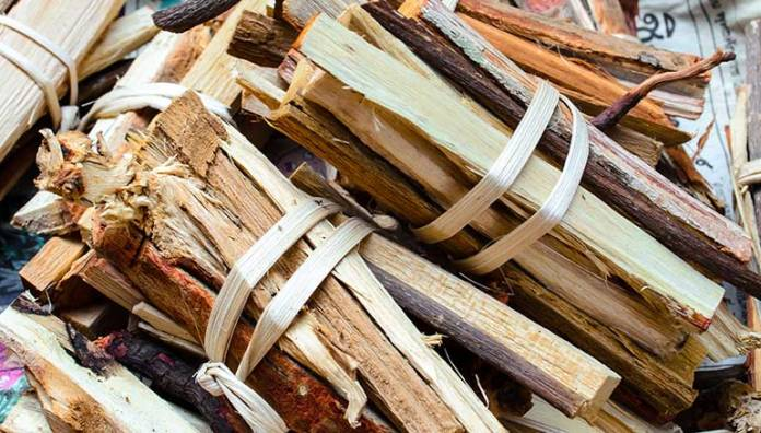Jamaican-Chew-Stick: Chew Stick