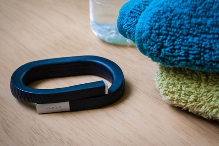 Activity Tracker :Things To Pack To Stay Fit While Traveling