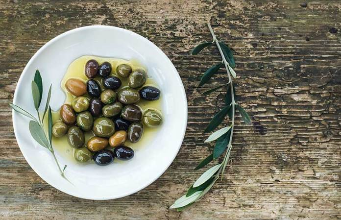 Stronger Bones: 9 Reasons Why Olives Are Good For You