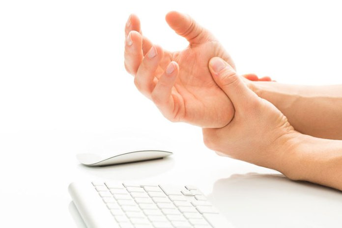 Carpel Tunnel Syndrome Causes Your Fingers To Swell