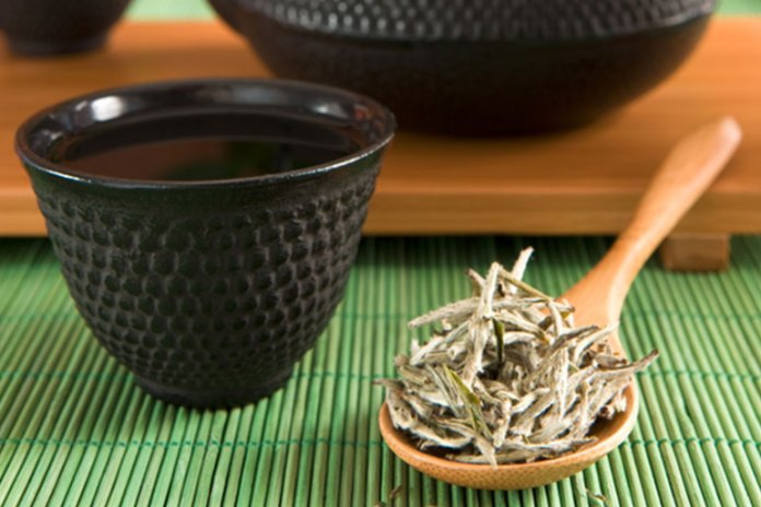 White Tea increases metabolism, promotes weight loss