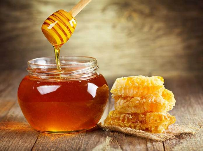 Honey is a home moisturizer for dry skin
