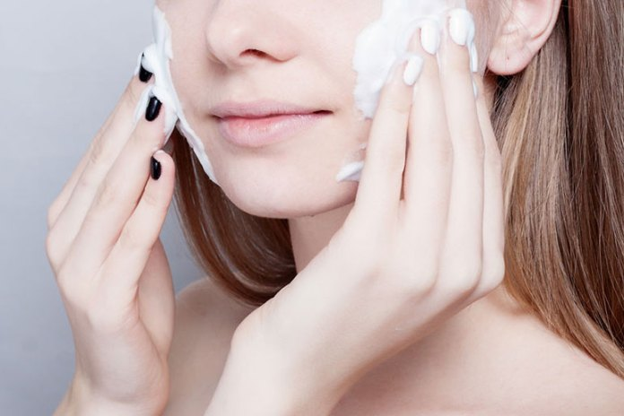Use Alcohol-Free Cleanser To Improve Your Skin Care Regimen