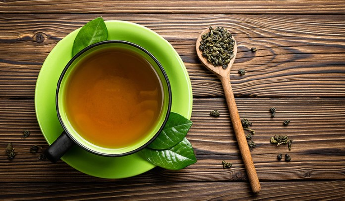 Green tea is a good remedy for cactus stings