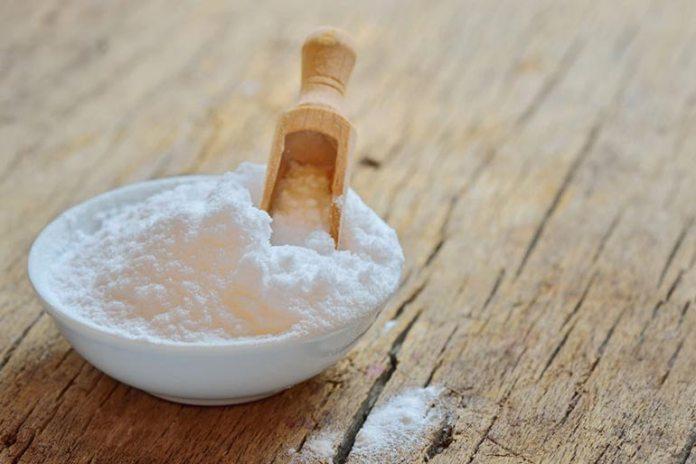 Homemade Face Scrubs For Oily Skin: Baking Soda