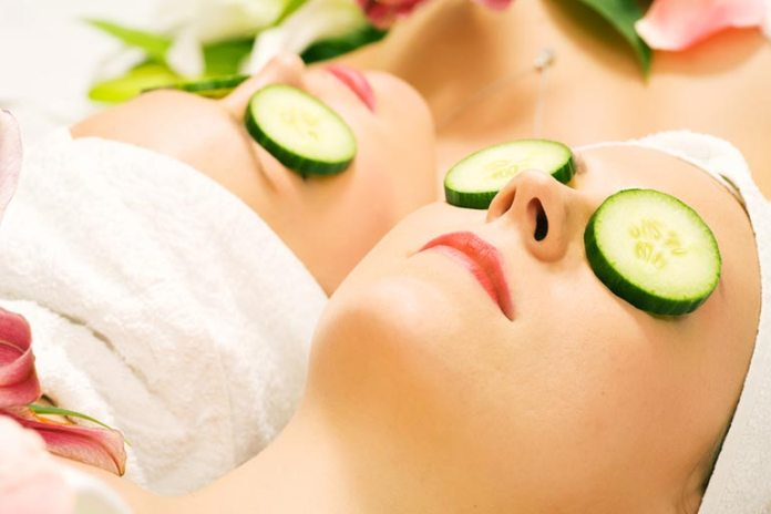 Home Remedies For Dry Eyes Syndrome: Cool Cucumber