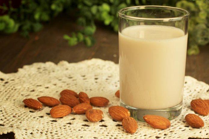 Natural Drinks For Migraine Headache: Almond Milk