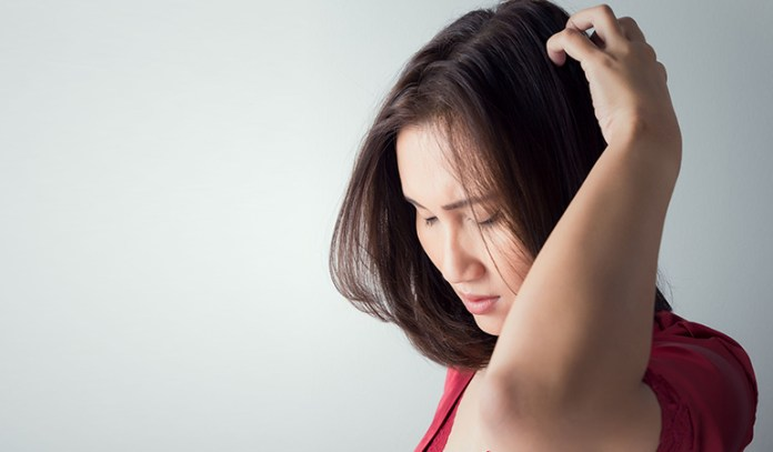 Itchy Scalp_Unhealthy Side Effects Of Straightening Hair