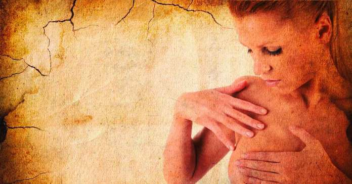 causes of itchy breast