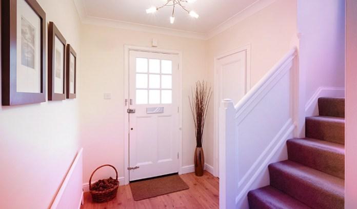 1-make-the-entryway-attractive