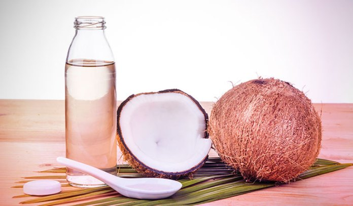 4-use-virgin-coconut-oil-in-your-moisturizing-routine