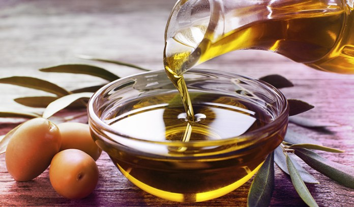 hot oil to treat split ends