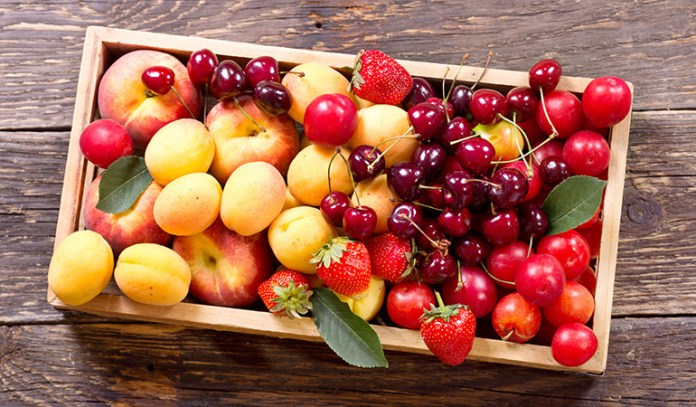 Fruits and berries reduces cholesterol