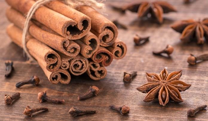 Cinnamon Tea And Clove Can Help Fight Bad Breath