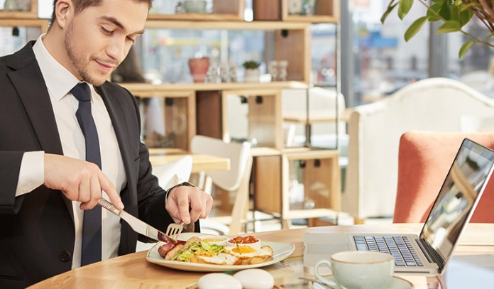 Eat Regularly To Stabilize Blood Sugar