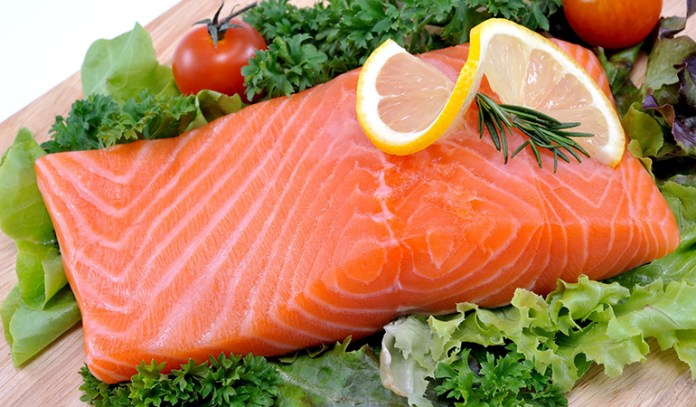 Fatty fishes reduces cholesterol