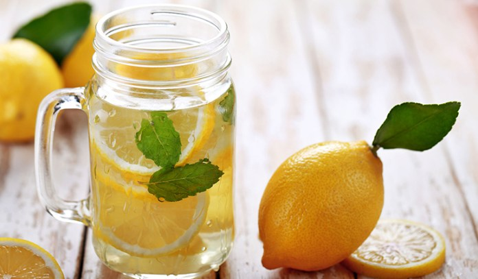 Overcome A Soda Addiction: Drink Lemon Water