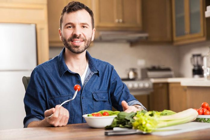 Eat slowly to make better food choices