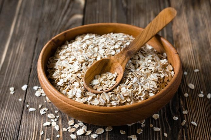 Oatmeal is a natural skin cleanser that goes well with yogurt and honey.