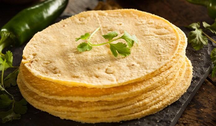 nutritional value of corn tortilla