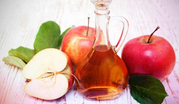 A mixture of olive oil and apple cider vinegar can be used to eliminate dandruff from the scalp.