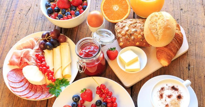 tips for a healthy and nutritious brunch