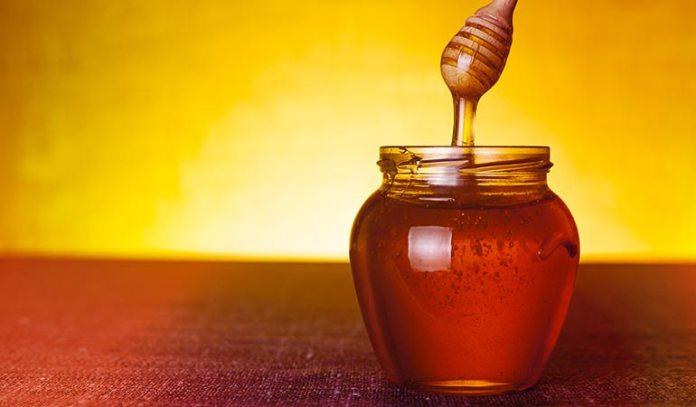 Honey helps in nourishing the hair