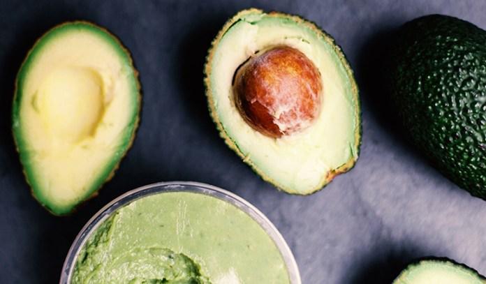 Avocados For Acne: Avocado And Oatmeal