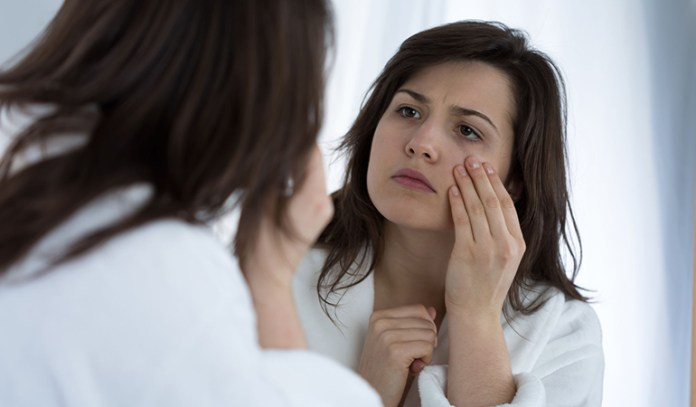 There are many factors that can cause puffy eyes.
