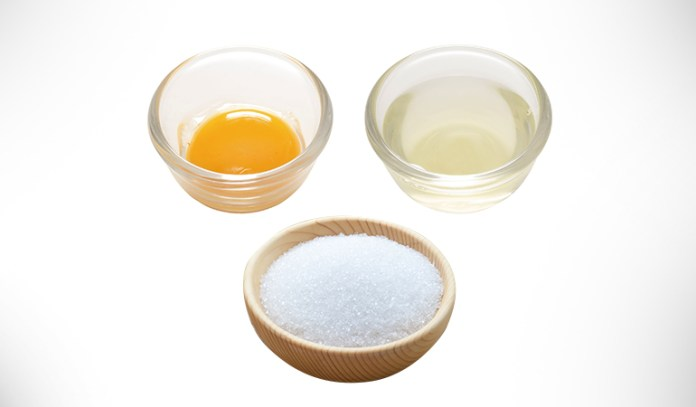 Get Rid Of Blackheads With An Egg White And Sugar Scrub