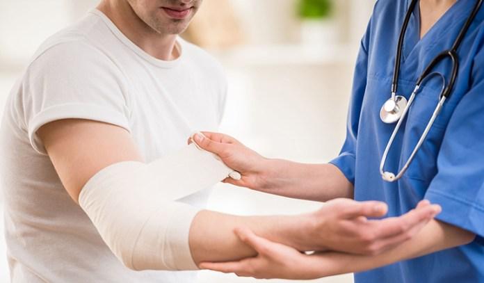 Health Benefits of Bay leaf: Hastens Wound Healing