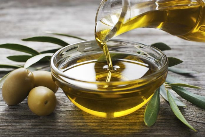 Olive oil helps soothe minor abrasions